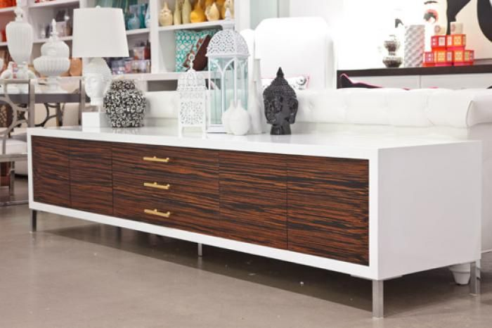 Before After Mid Century Modern Credenza With A Glossy White Top Con Imagenes Restauracion De Muebles Decoracion De Muebles Muebles Pintados Modernos