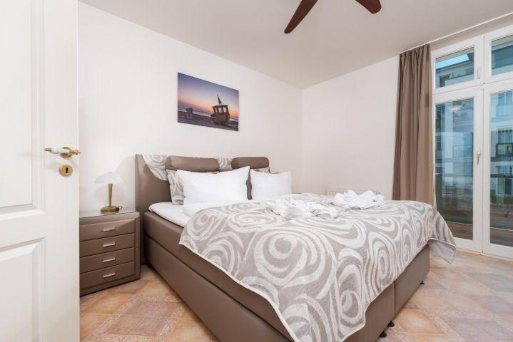Villa Erika Wohnung 3 Schlafzimmer 2 mit Boxspringbett