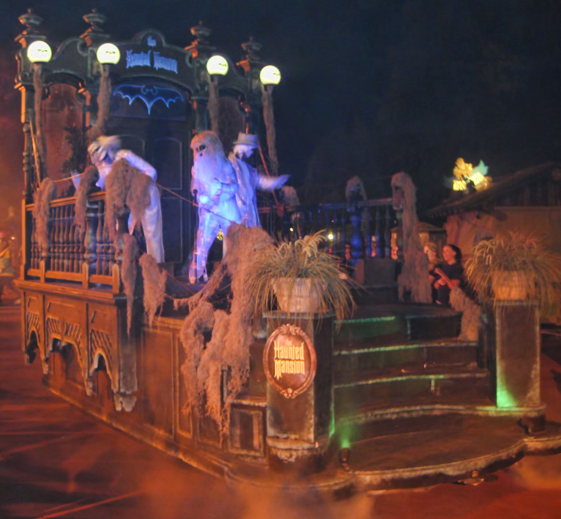 Scary Halloween Party Themes For Adults. Best 25 Halloween party ...