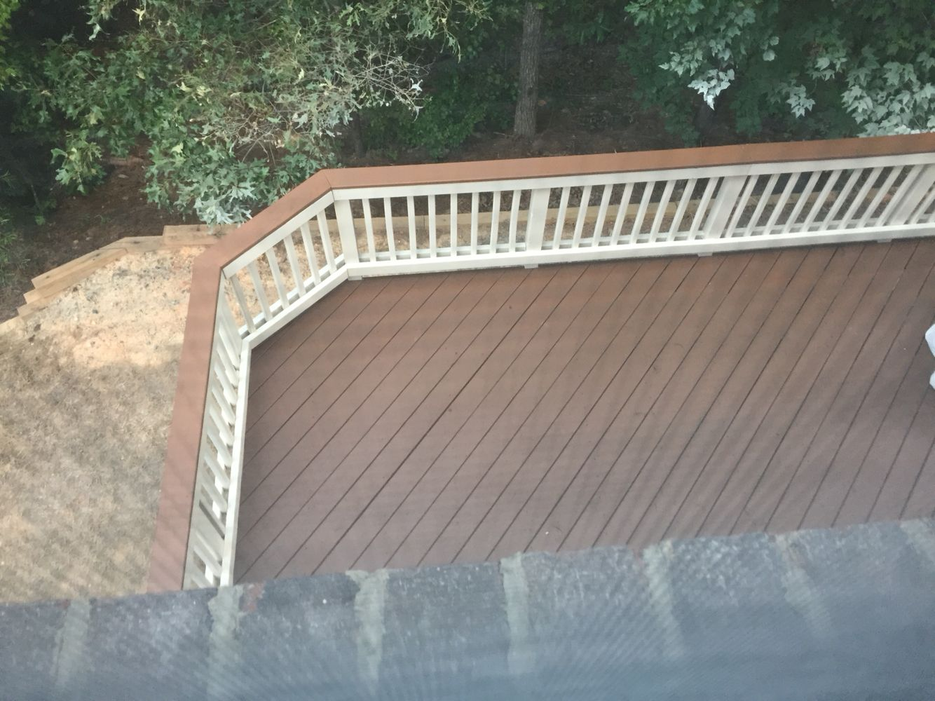 Two Toned Deck Sherwin Williams Pine Cone Deck Stain With Navajo White Rails Deck Colors Staining Deck Deck Stain Colors