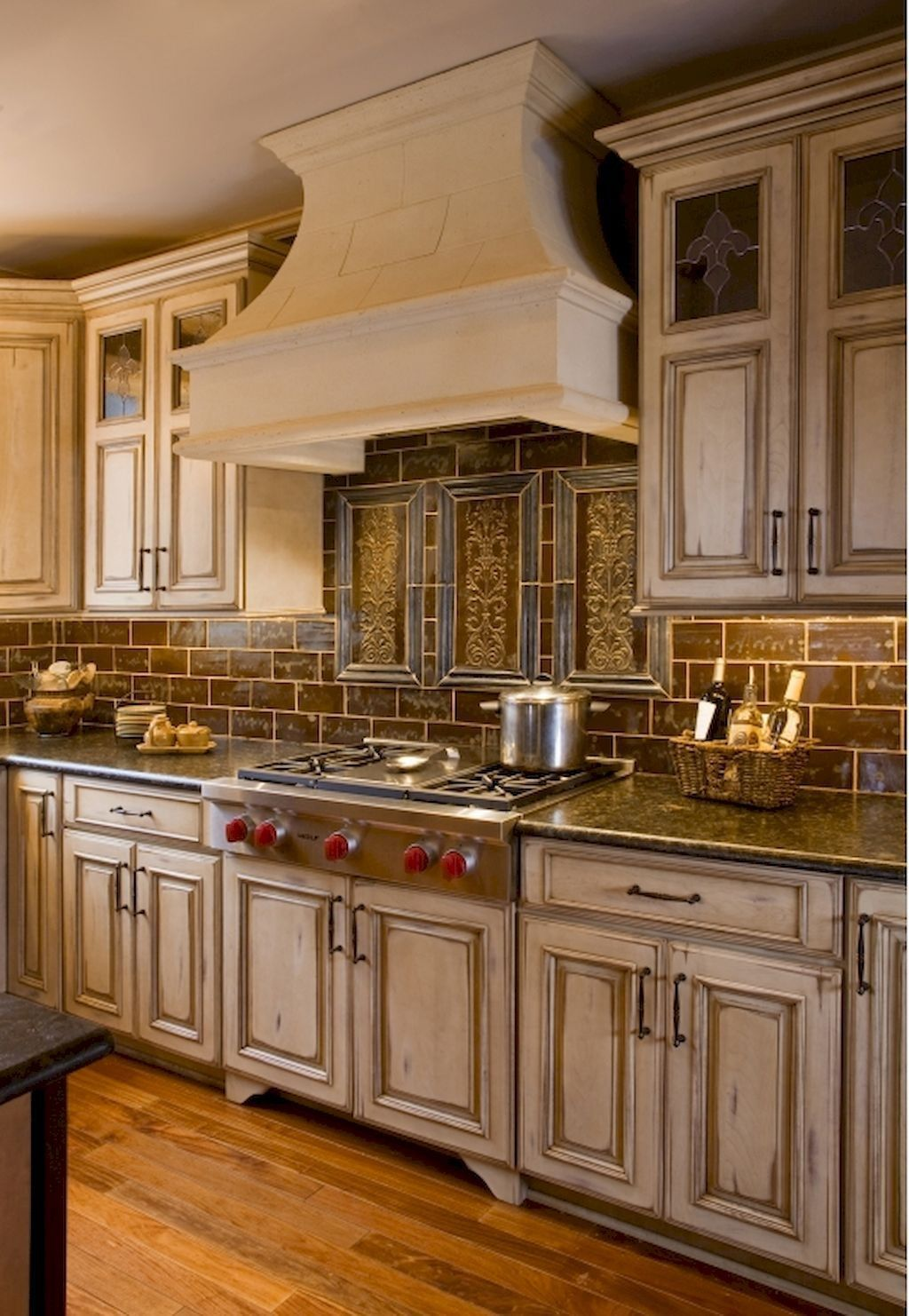 53 Simple Stylish Elegant Kitchen Decorating Ideas for Your New Home | Country kitchen designs ...