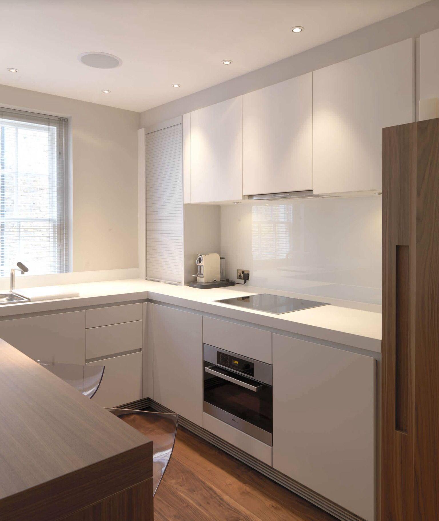 Kleine Küchen stellen ein kompaktes Küchendesign dar | Kitchens ...