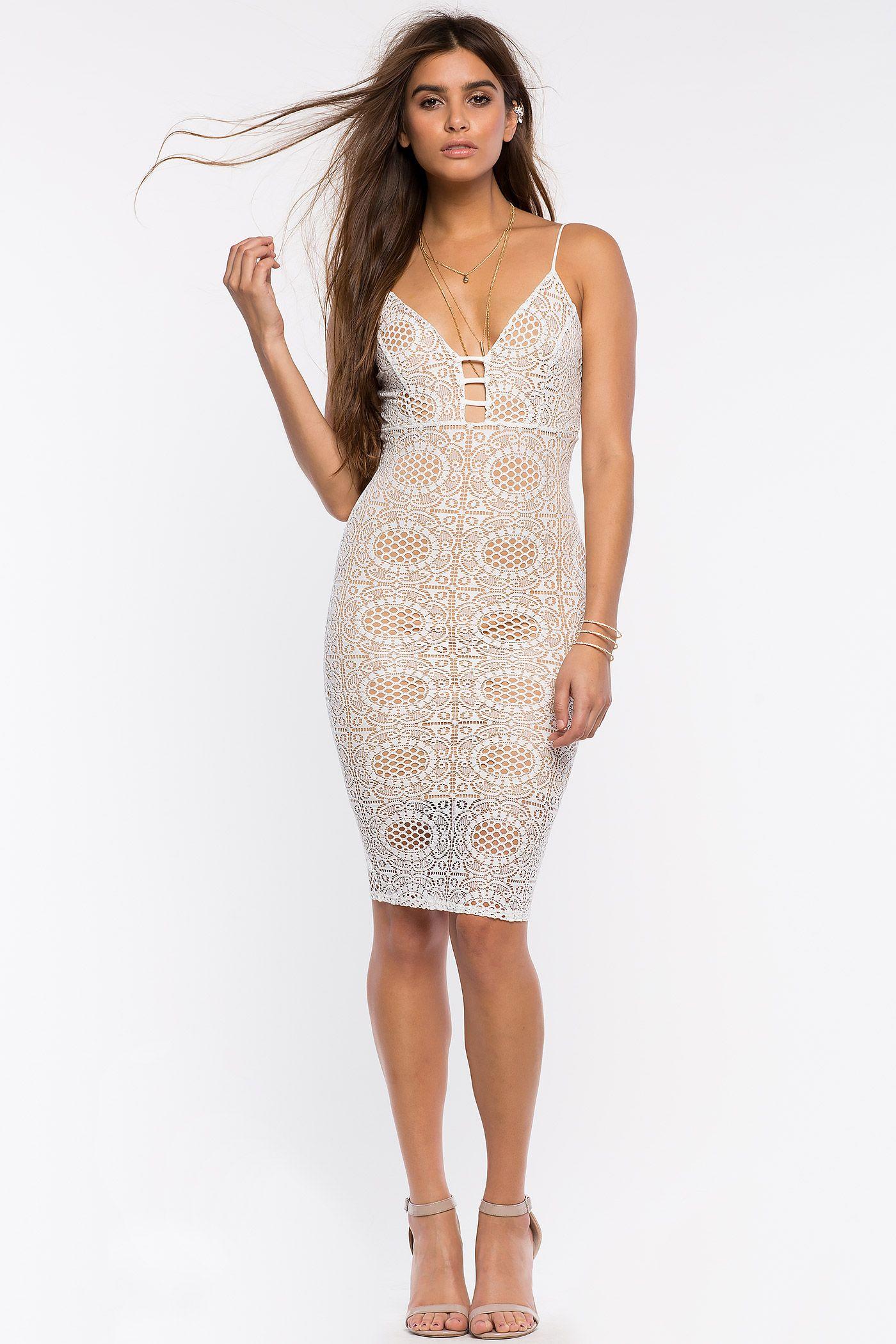 8dda2d54d2c86eb Кружевное платье Размеры: S, M, L Цвет: белый, черный Цена: 2373 руб ...