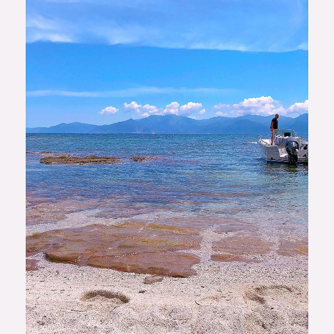 🛥🌊 #corse #corsica #boat #boatlife #wildlife #wild #nature #sea #ocean #summer #sunnyday #photography #photooftheday #photographer #travelphotography #travel #traveladdict #holidays #love #instagood #instamoment #beach #beautiful #beautifuldestinations