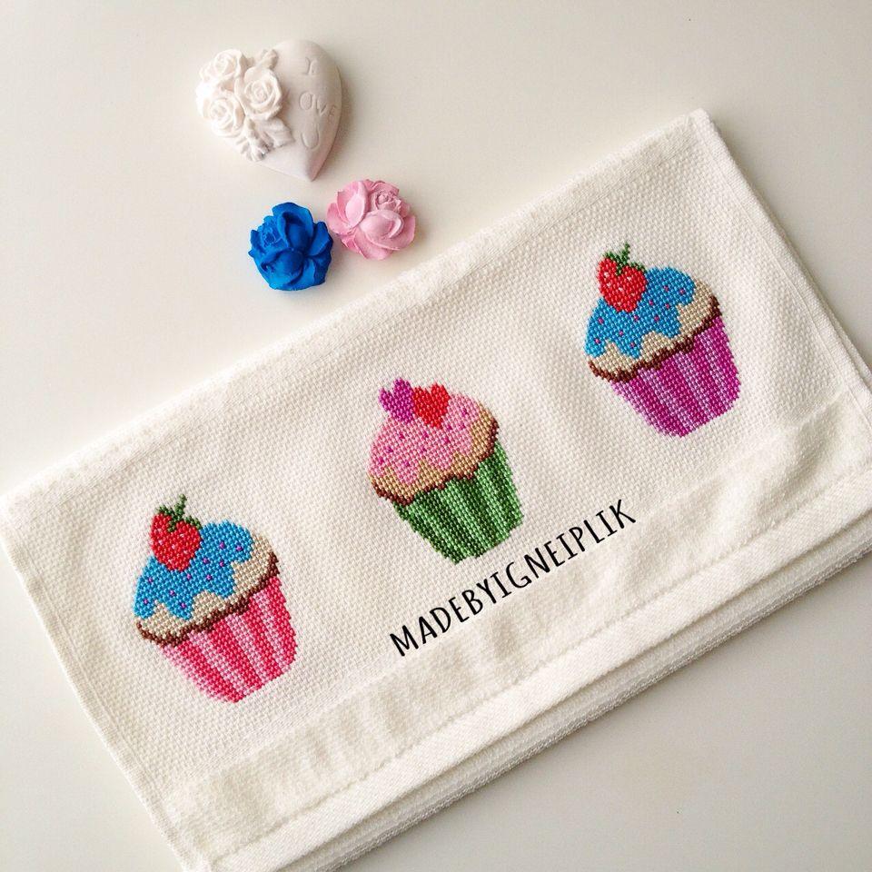 Madebyiğneiplik cross  stitch cupcake towel