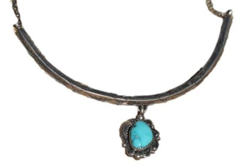 VINTAGE SIGNED NAVAJO STAMPED STERLING SILVER & TURQUOISE COLLAR NECKLACE