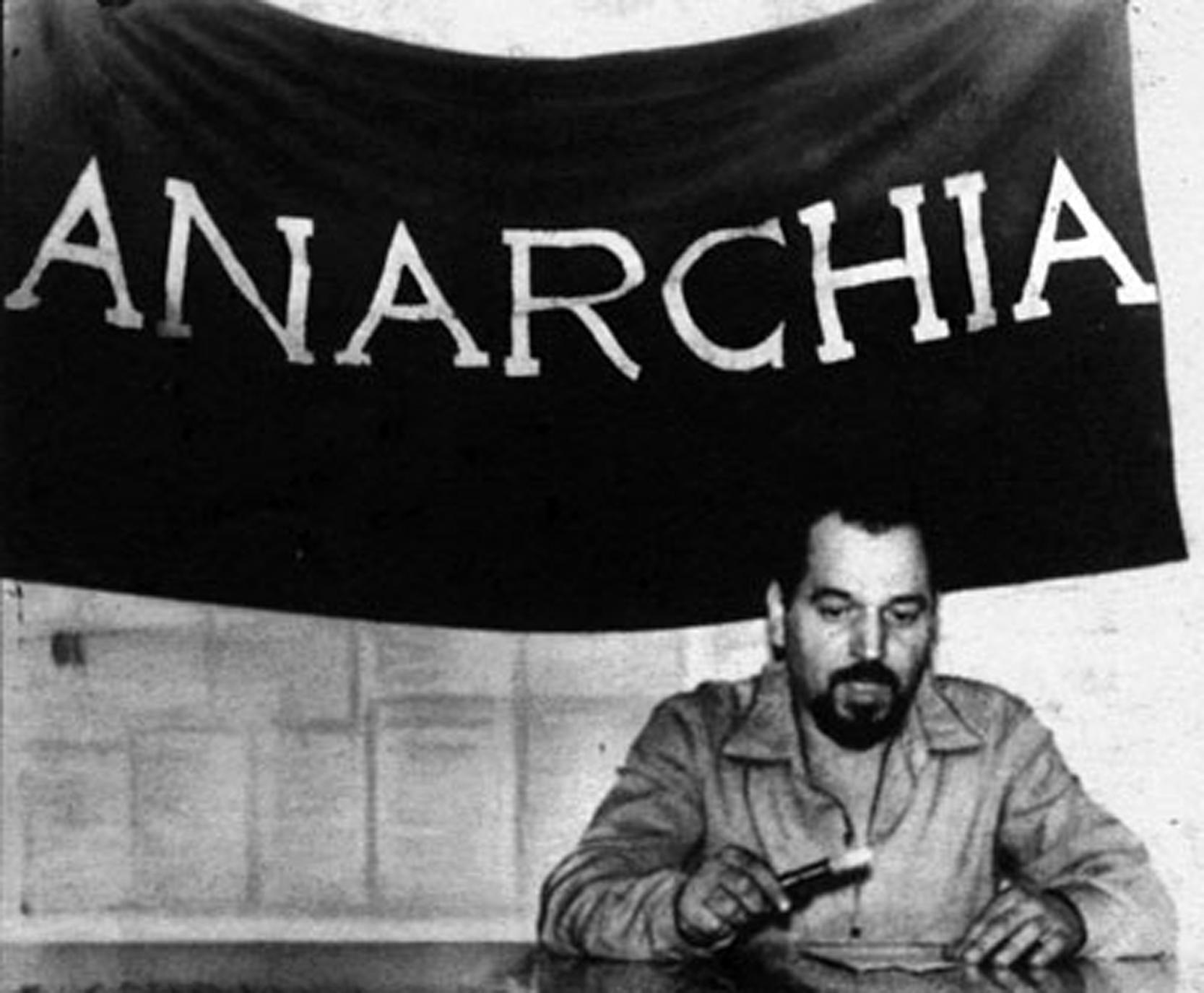 Pinelli, ferroviere anarchico.  Per molti è un suicida, per noi è stato ucciso dallo Stato.