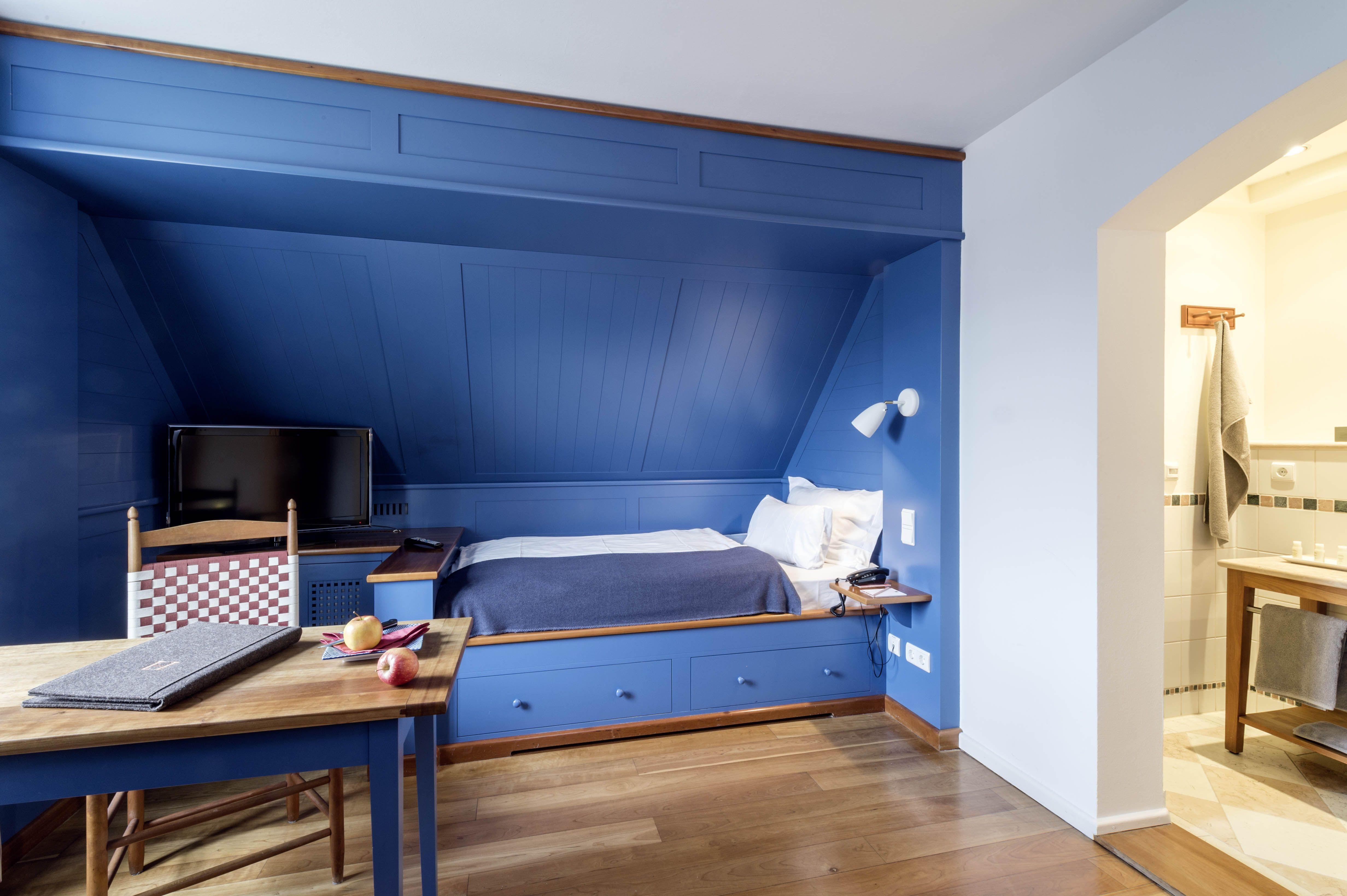Ein #Einzelzimmer im #Shaler-Stil im #Hotel Kloster Hornbach in der ...