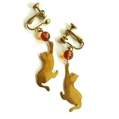 cat earings with amber beads