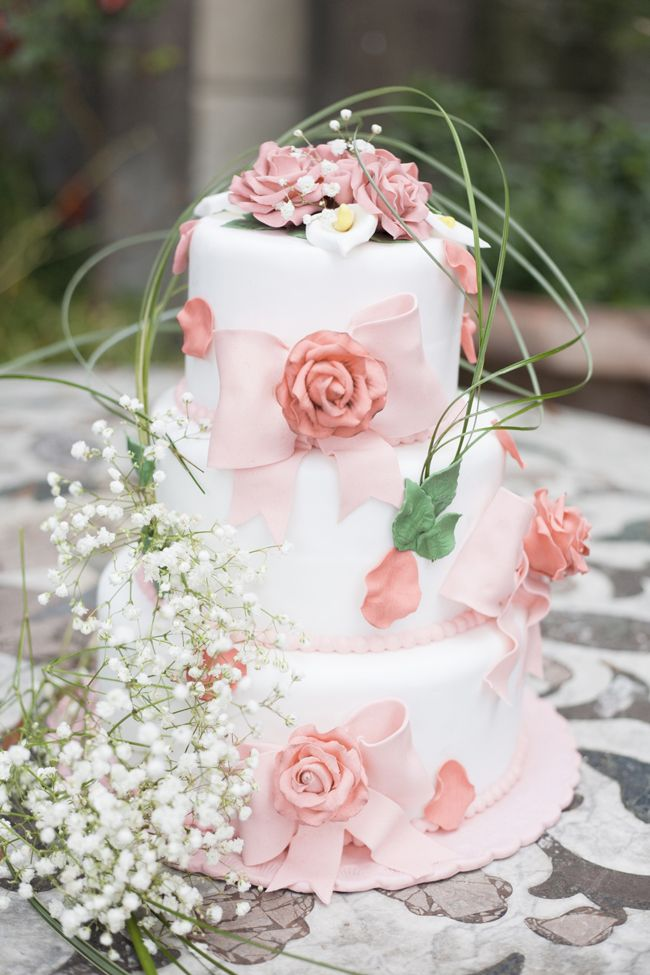 Dreamy and magical romantic wedding inspiration - see more at http://fabyoubliss.com