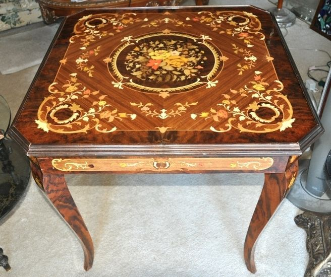 Nice Italian Game Table With Marquetry Inlay Floral Patterns