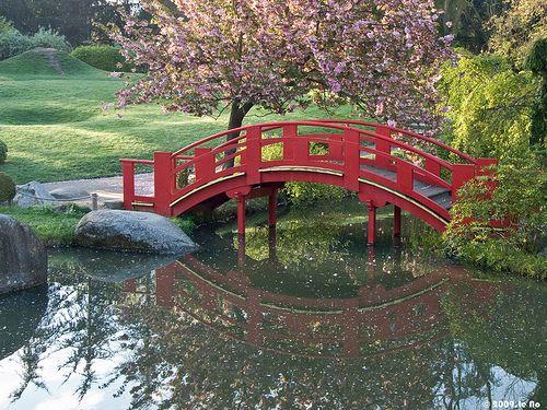 Le Pont Du Jardin Japonais De Compans Cafarelli Toulouse France