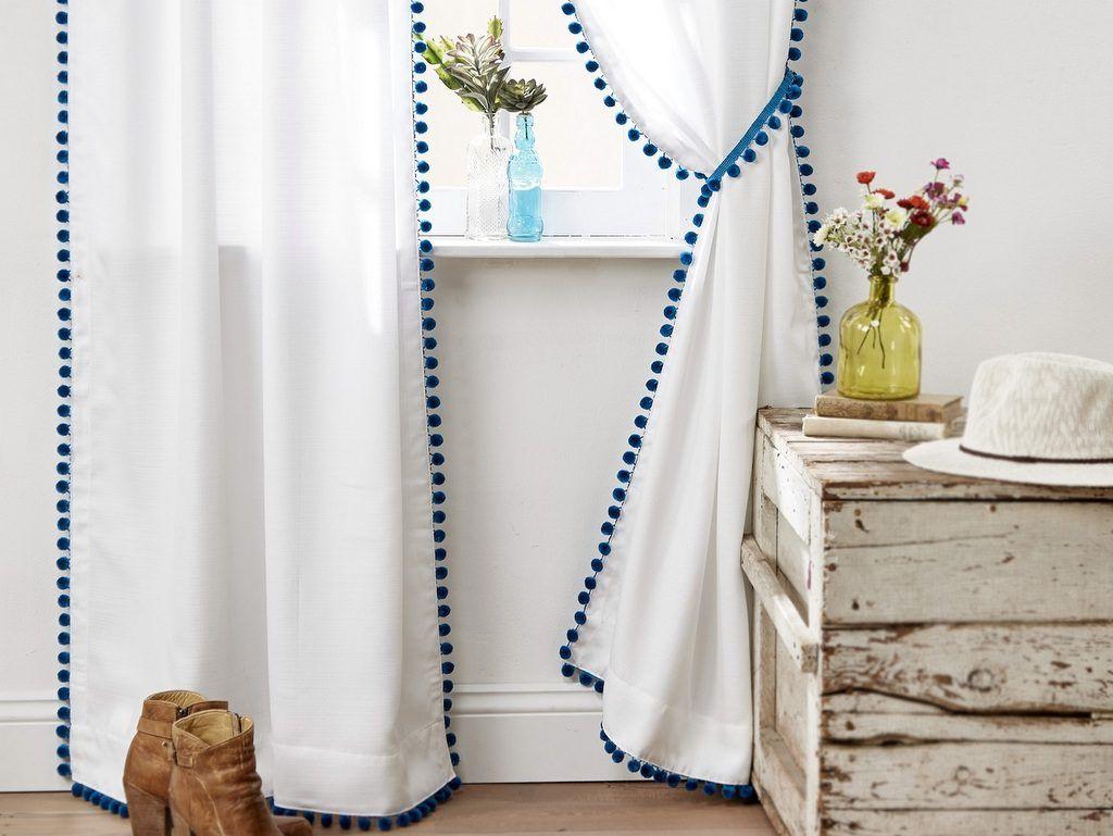 Des rideaux à pompons  une idée pour customiser des rideaux ...