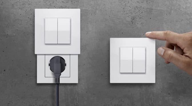 Die Versteckdose Hue Schalter Und Steckdose In Einem Bild Hersteller Schalter Und Steckdosen Steckdosen Und Lichtschalter Steckdosen