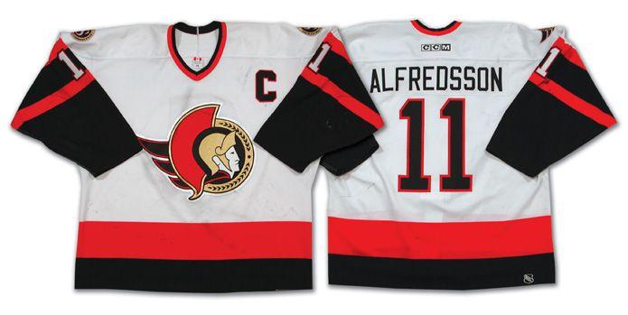 wholesale dealer 28b21 b5a68 Daniel Alfredsson's 2002-03 CCM home white Ottawa Senators ...
