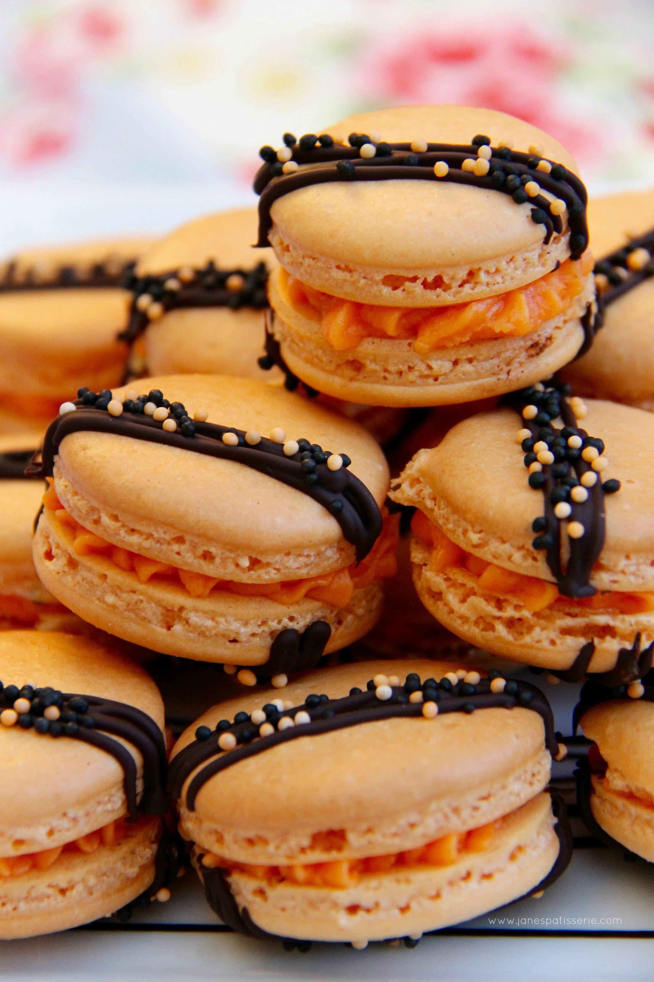 Halloween Macarons #halloweenmacarons