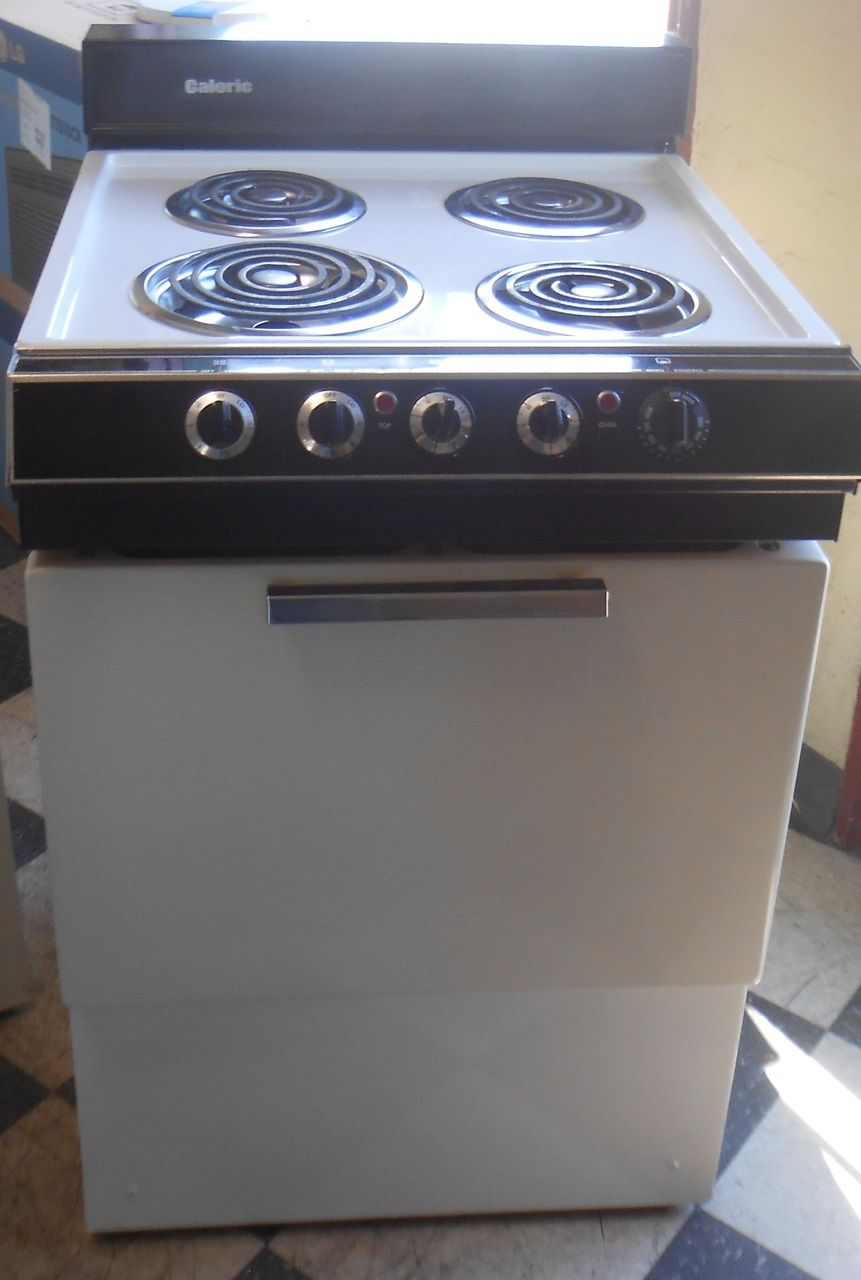 Attrayant Appliance City   Caloric 24 Inch Electric Range 3 Small Burners 1 Large  White Apartment Size
