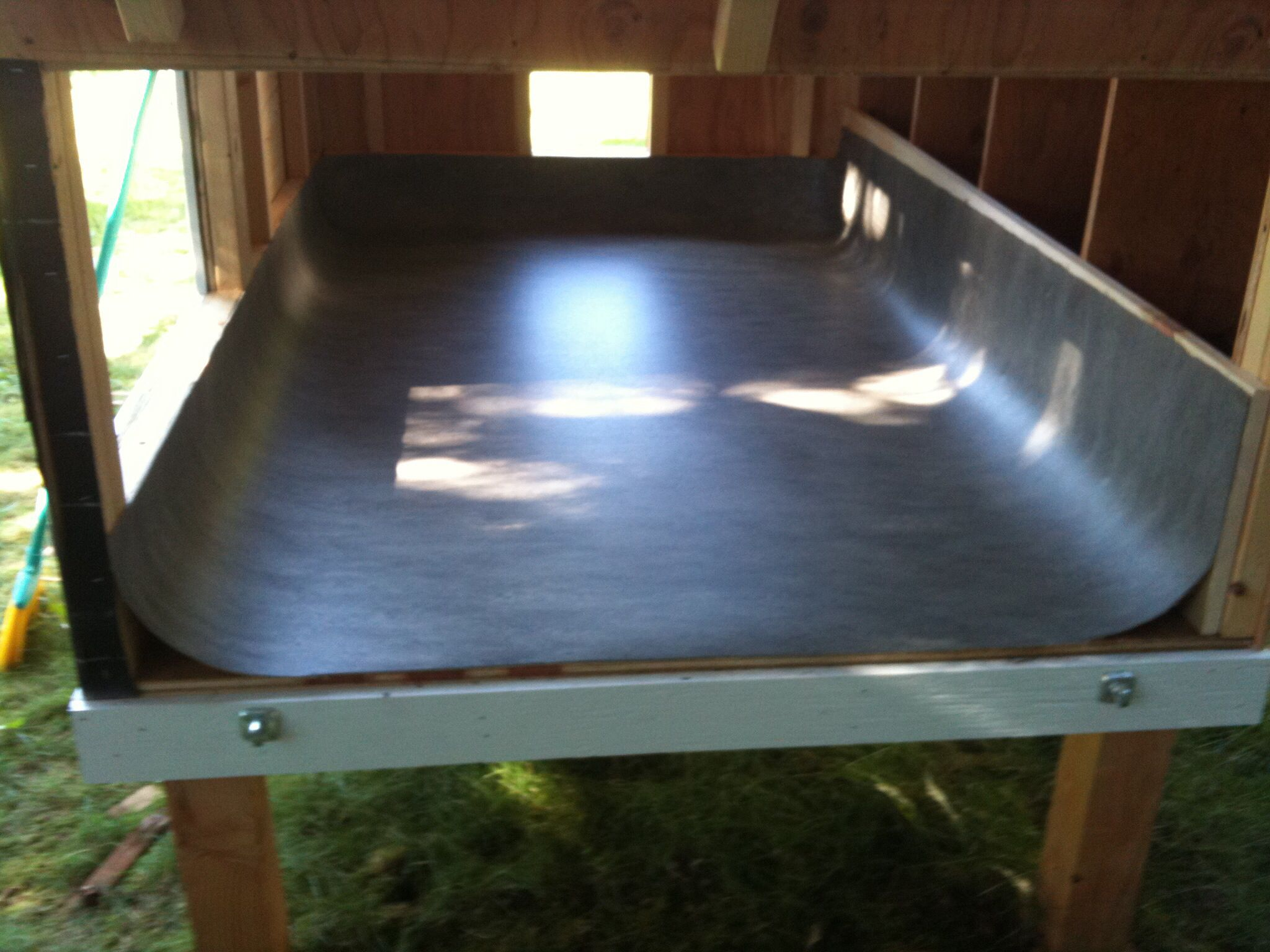 Vinyl In Chicken Coop For Easy Clean Portable Chicken Coop Chicken Coop Building A Chicken Coop