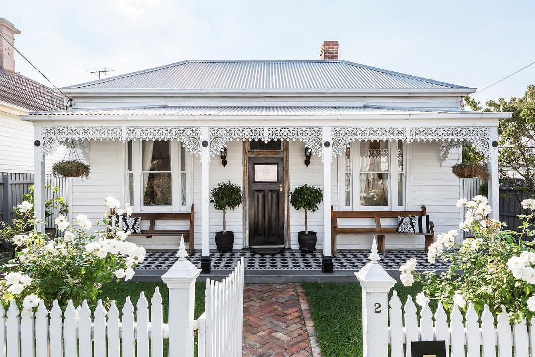 Exquisitely Renovated From Top To Bottom This Classic Double Fronted Victorian Has Been Transformed Into A Terrace House Exterior Facade House House Exterior