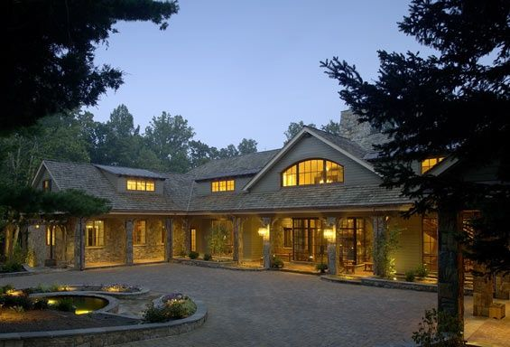 Shaped Driveway Love The Driveway And The Surround Porch