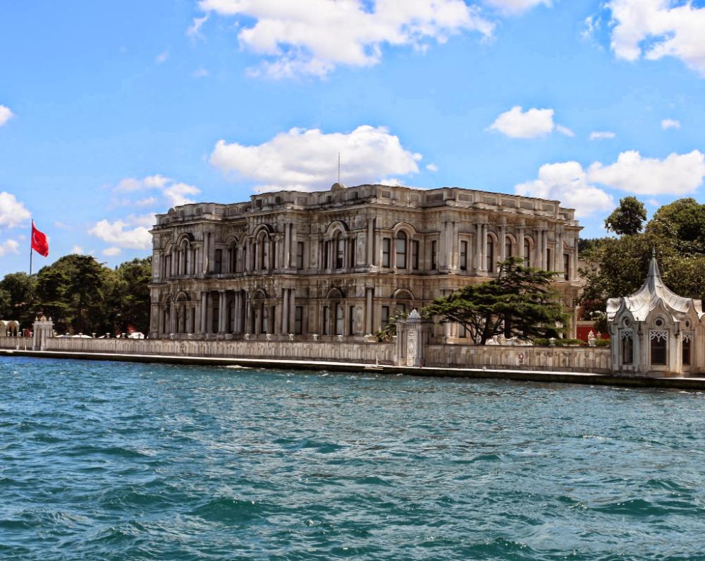 ماهي الأماكن السياحية في اسطنبول الاسيوية سفرك السياحية In 2020 Istanbul Istanbul Turkey Building