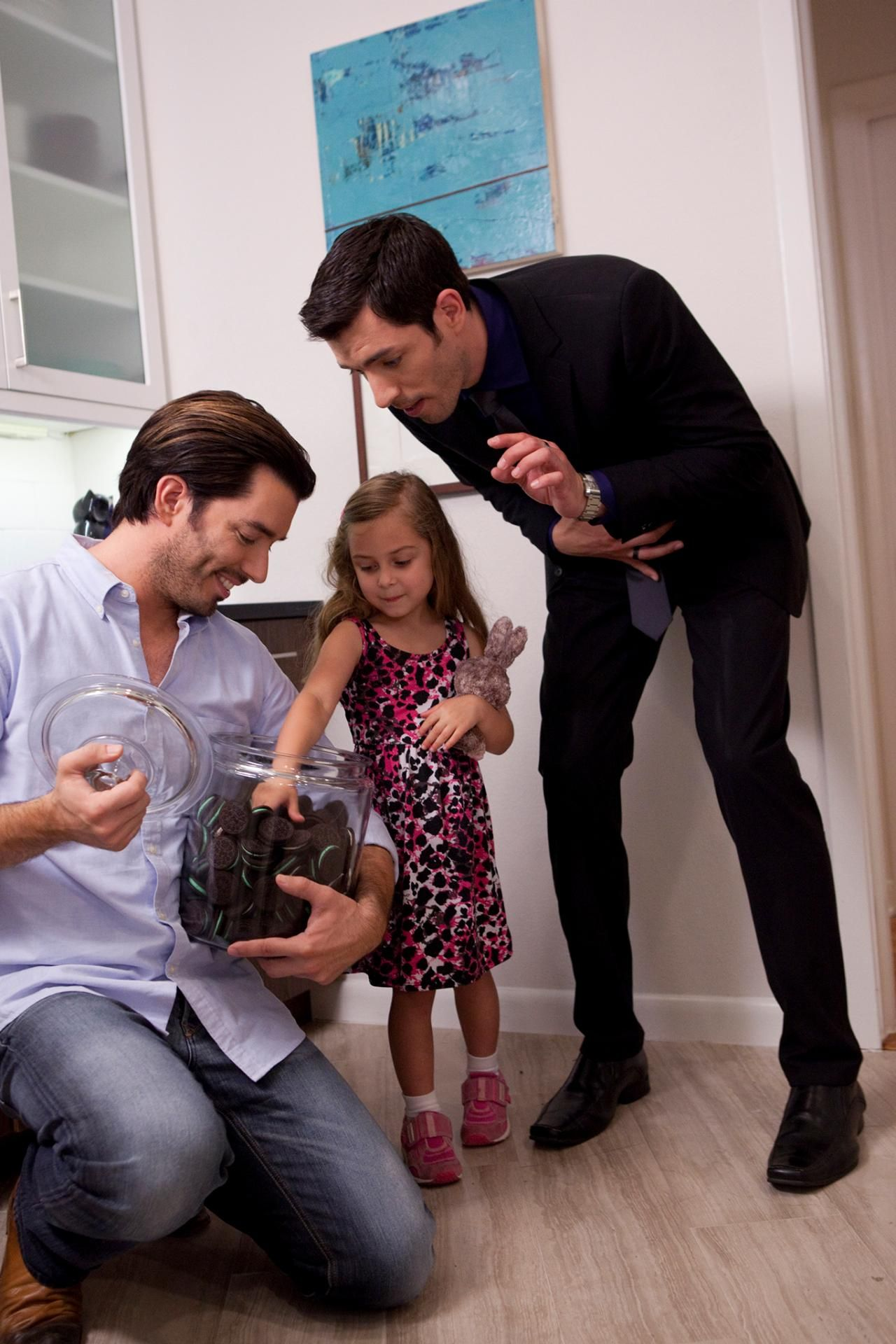 Drew scott property brothers married jonathan and drew Who are the property brothers
