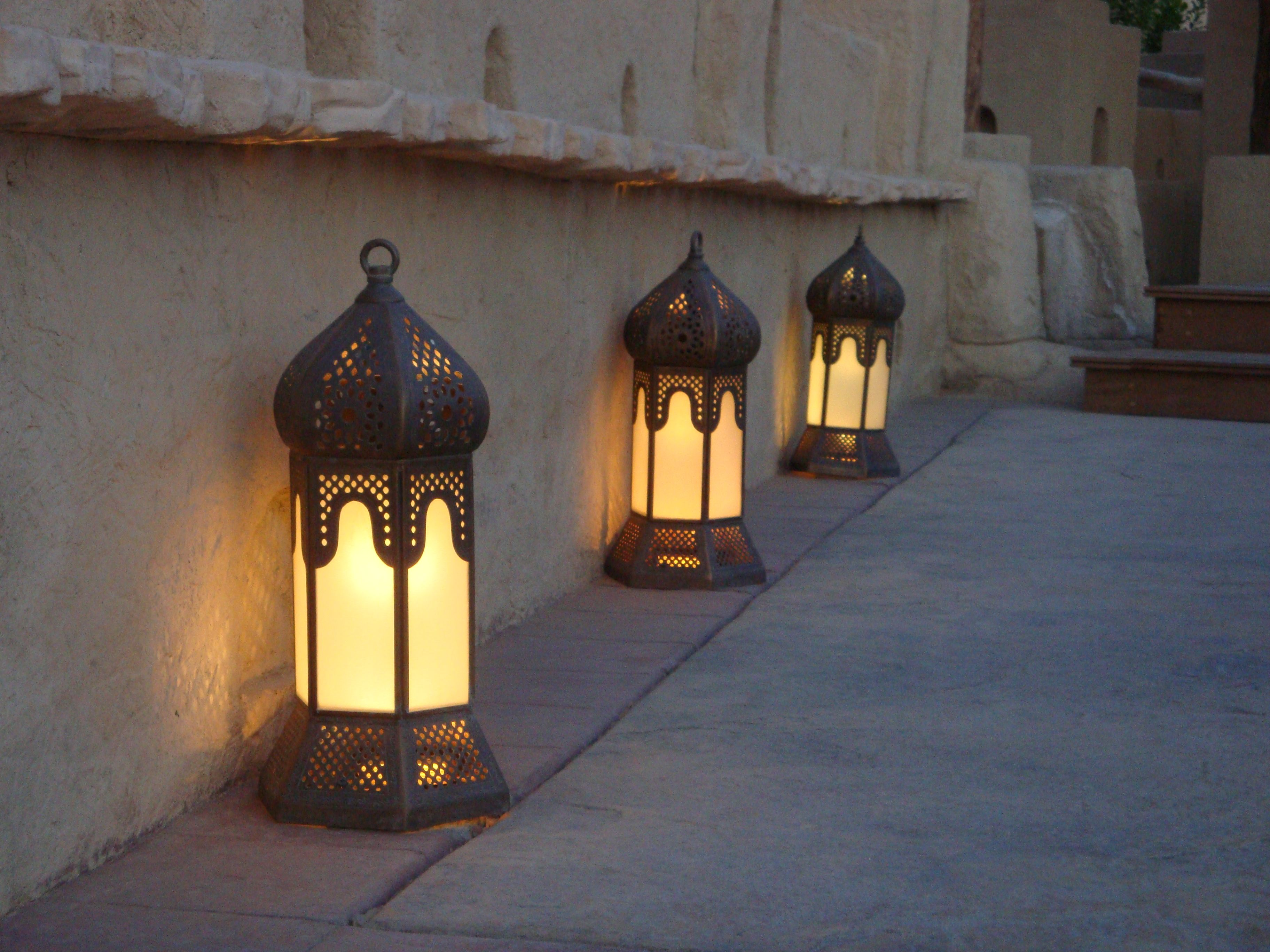 wholesale exporter mosaic single chain size lamp arabic