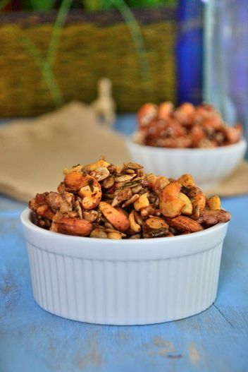 Healthy Snack Recipe for Your Desk: Roasted Honey Cashew Trail Mix