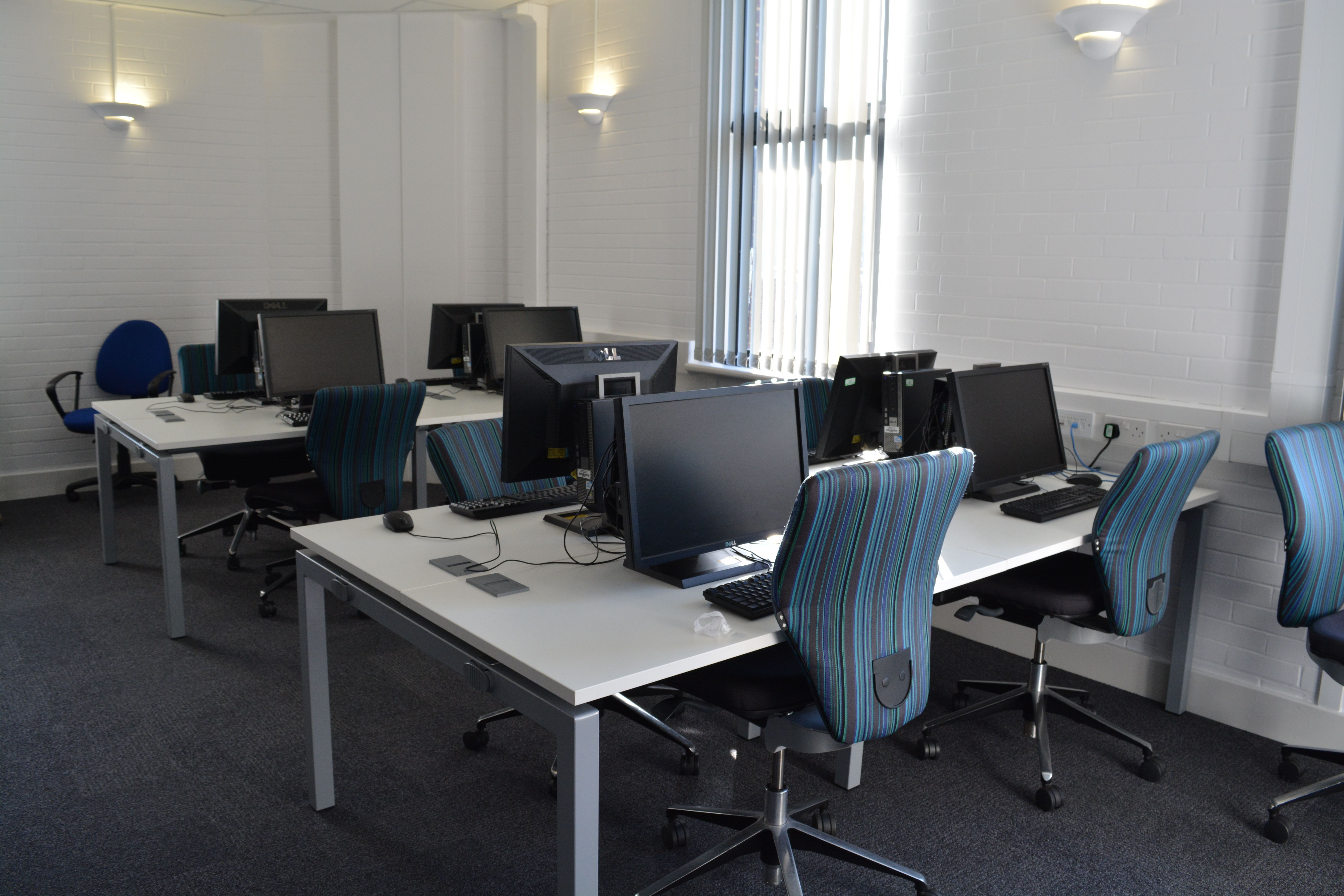 New technology suite space with ergonomic seating for academy.  East Kent College (Computer Labs) - Dover, Kent  www.rapinteriors.co.uk