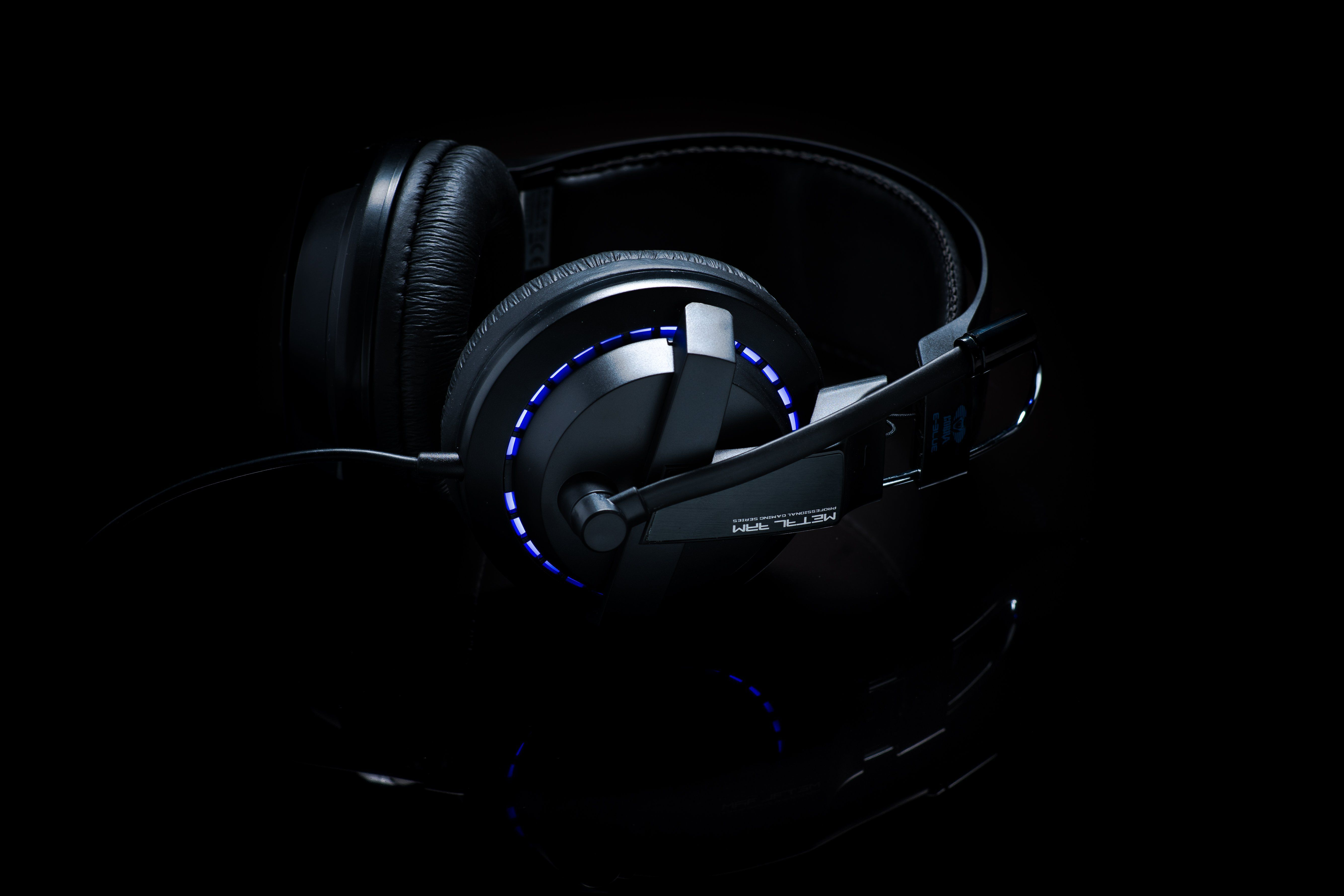 2fada51bc60 Cobra-x advance lighting gaming headset | Products | Gaming headset ...