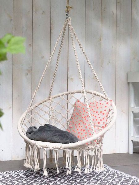 Home Dzine Craft Projects Indoors Or Outdoors On A Patio Or Deck A Hanging Chair Is Just The Thing Macrame Hanging Chair Hanging Chair Patio Seating Area