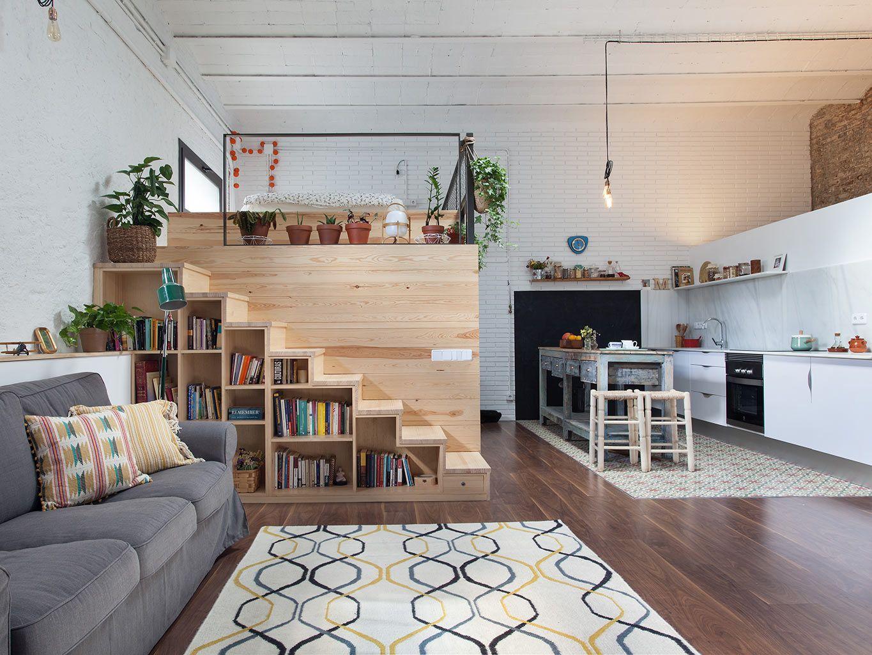 a barcelone un garage transform en loft planete deco a homes world escaliers staircases. Black Bedroom Furniture Sets. Home Design Ideas