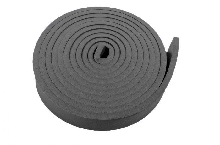 Met de Regufoam 300 Strips kunt u resonerende geluidsbronnen ontkoppeld(zwevend) opstellen en isoleren. Regufoam kunt u toepassen onder apparaten en machine zoals; een koelkast, aggregaat of (zwembad)pomp.