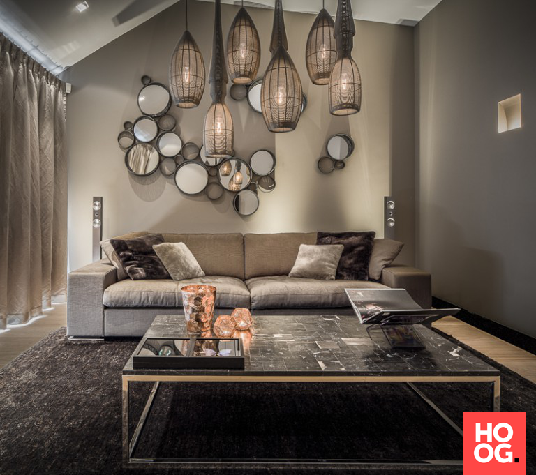 Luxe woonkamer inrichting met design zitbank | Office | Pinterest ...