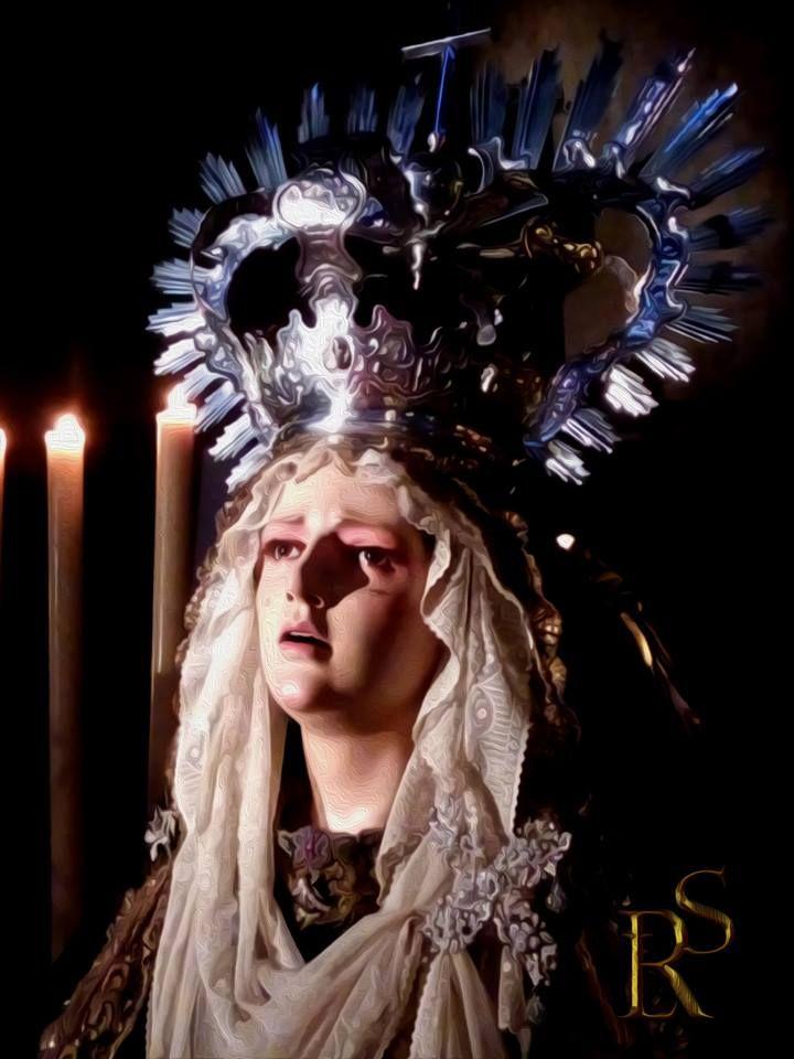 Besamanos Santísima Virgen de la Caridad. Una foto de Eduardo López para nuestra particular cuenta atrás hasta la llegada de la #PasionenJerez. #EntrevaralesOJ #Onda Jerez