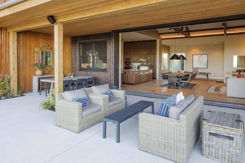 Dreamy modern farmhouse style invites indooroutdoor
