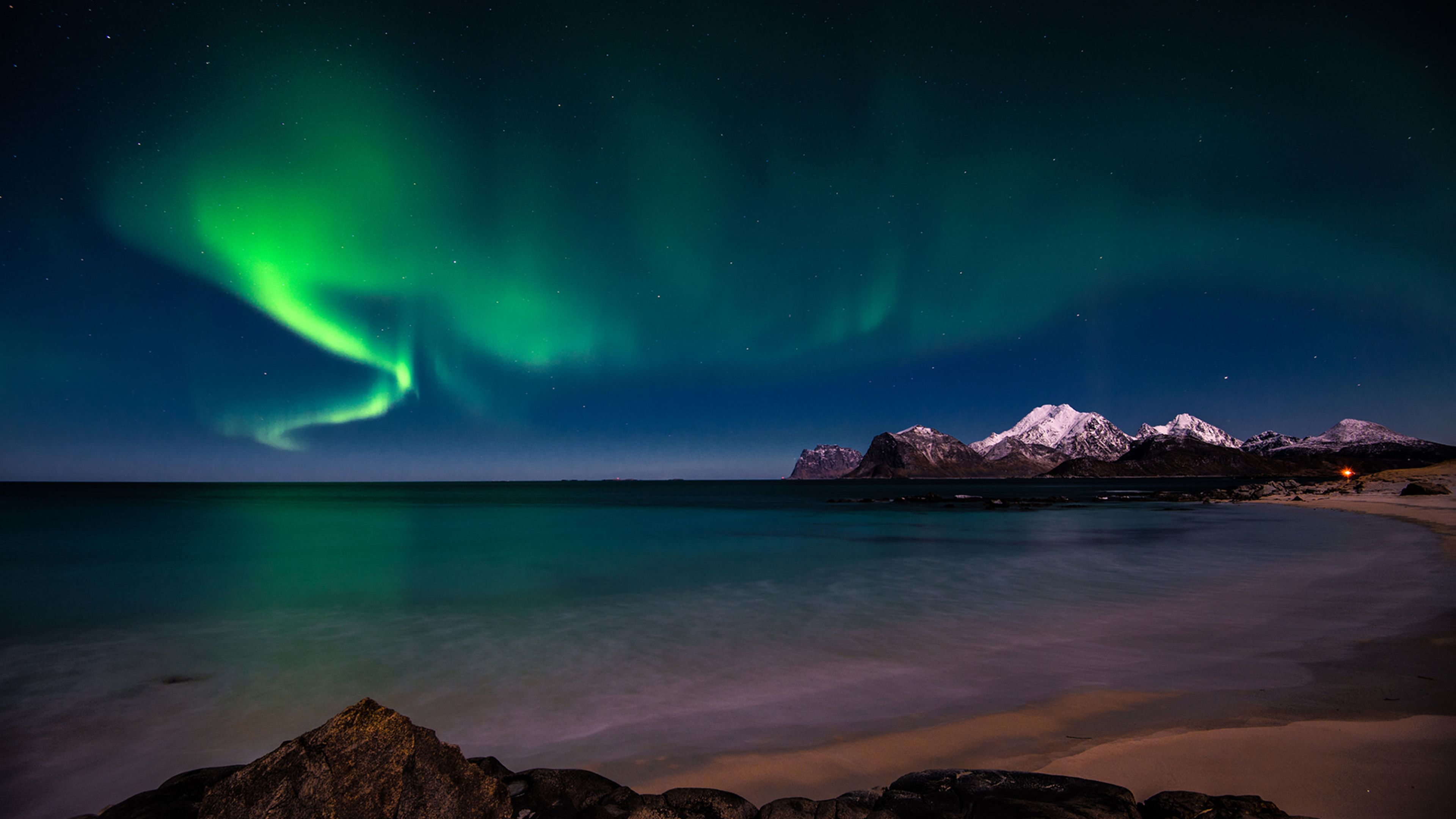 Aurora borealis hd desktop wallpaper high definition hd for Sfondi desktop aurora boreale