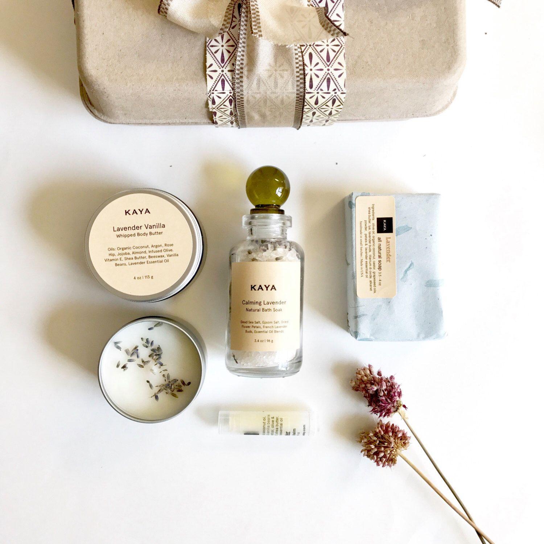 { Lavender } Spa Box - Calming Gift Set For Everyone 🌿 https://www.etsy.com/listing/252266046/lavender-spa-gift-set-100-natural-spa
