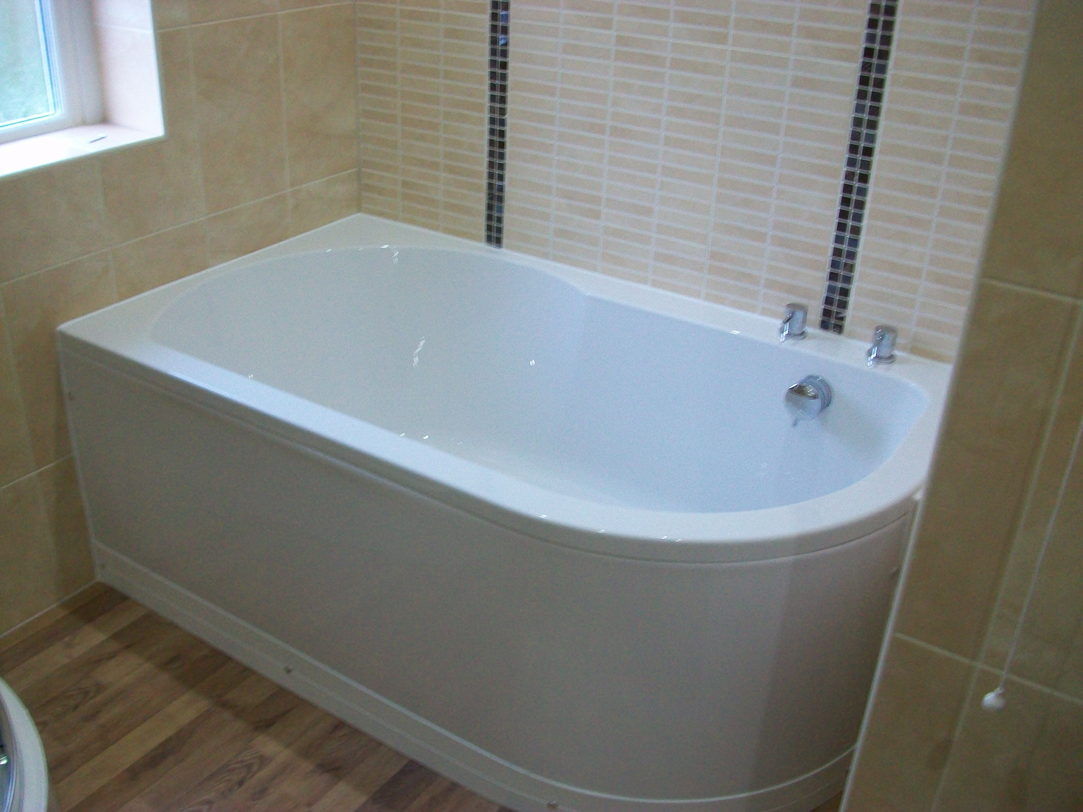 The new Renaissance Serena Bath Tub 1550 x 900 | Before and After ...