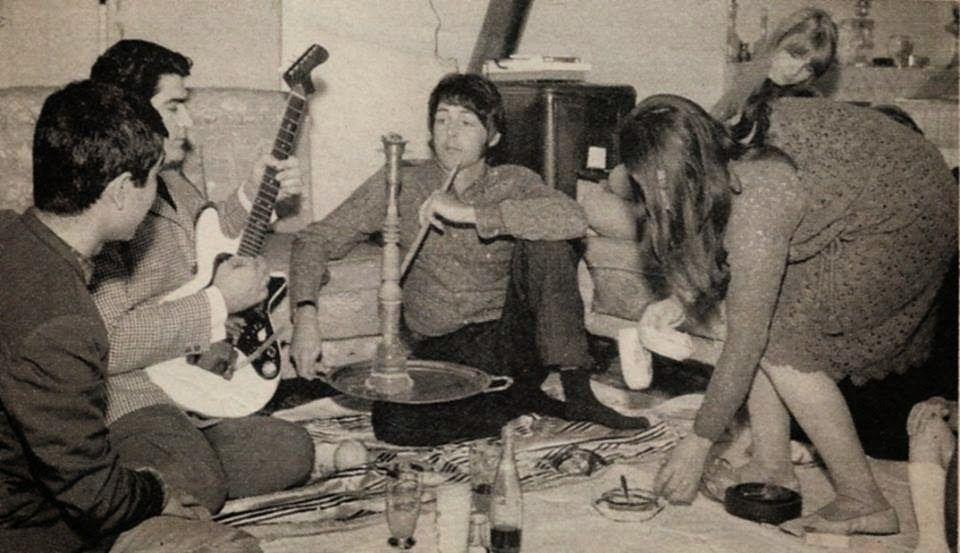 Պատմական լուսանկարի պատմություն․Փոլ Մաքքարթնին Թեհրանում՝ Վիգեն Տերտերյանի հետ