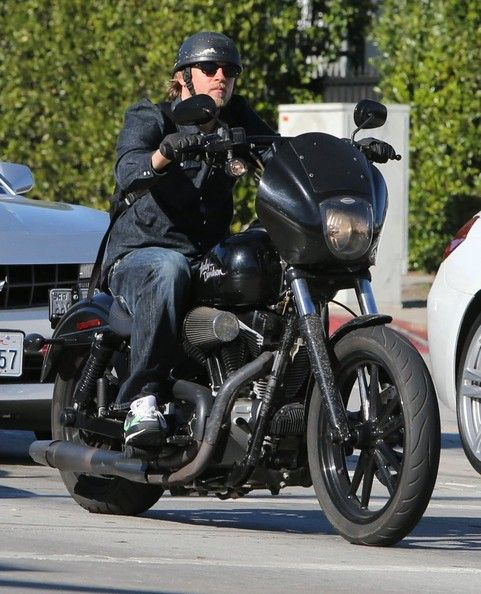 jax sons of anarchy charlie hunnam jax sons of anarchy. Black Bedroom Furniture Sets. Home Design Ideas