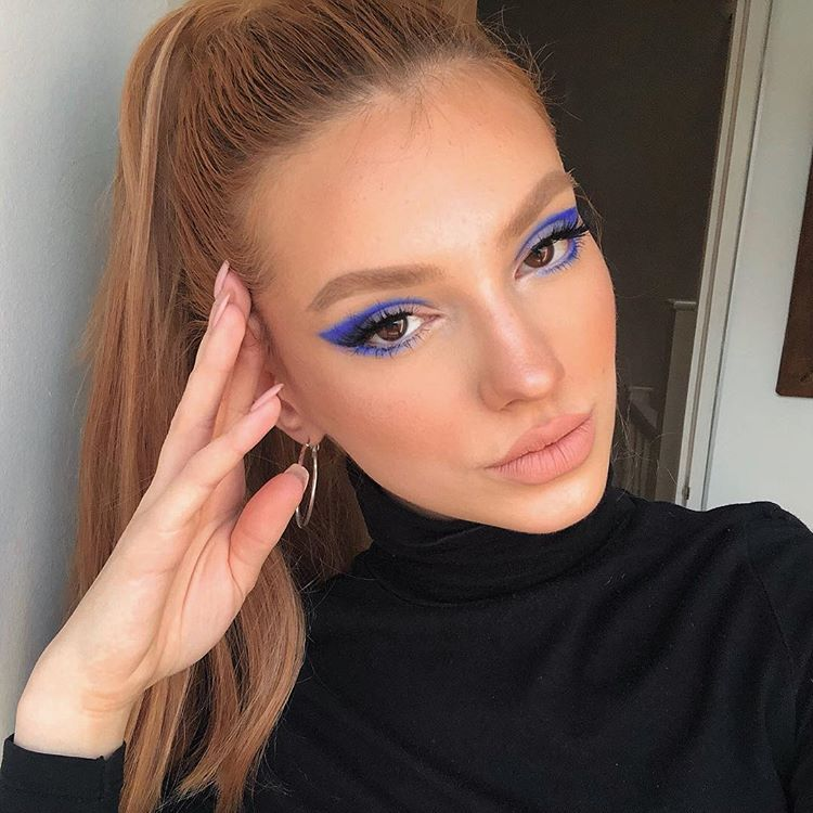 """DANIELLE MARCAN on Instagram: """"Morning rave before work look 💽. Used @hudabeauty Electric Obsessions palette. #hudabeautyobsessions"""""""