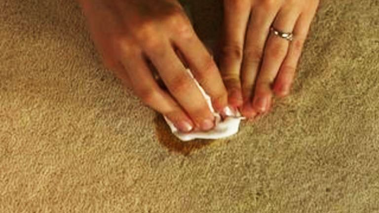 Great simple home cleaning tips for removing oil stains on