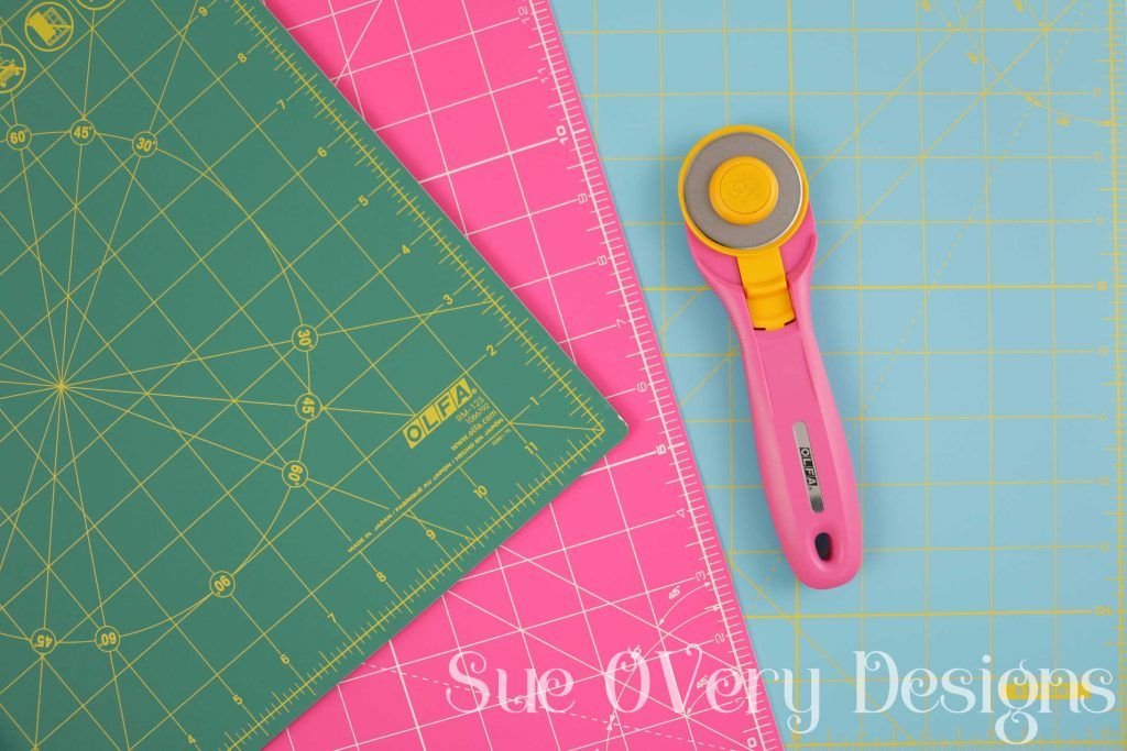 How To Use The Olfa Splash Rotary Mat And Rotary Cutter Sewing Hacks Rotary Cutter Diy Home Crafts