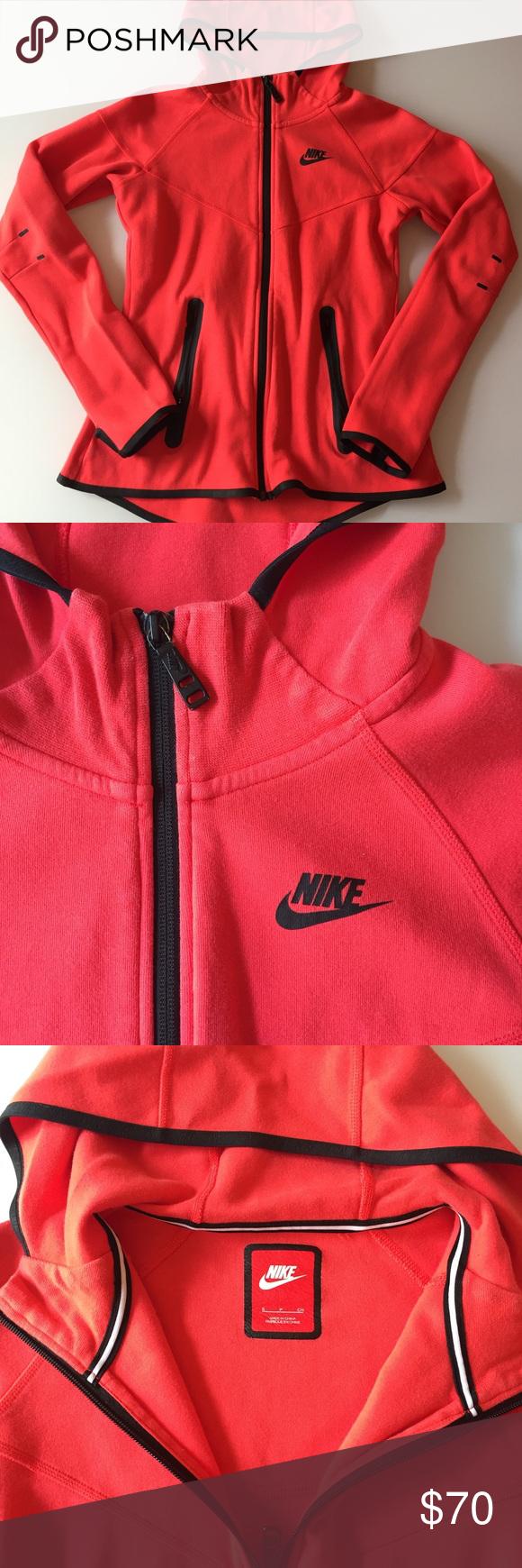 Nike womenus tech fleece flaws sweatshirt and customer support