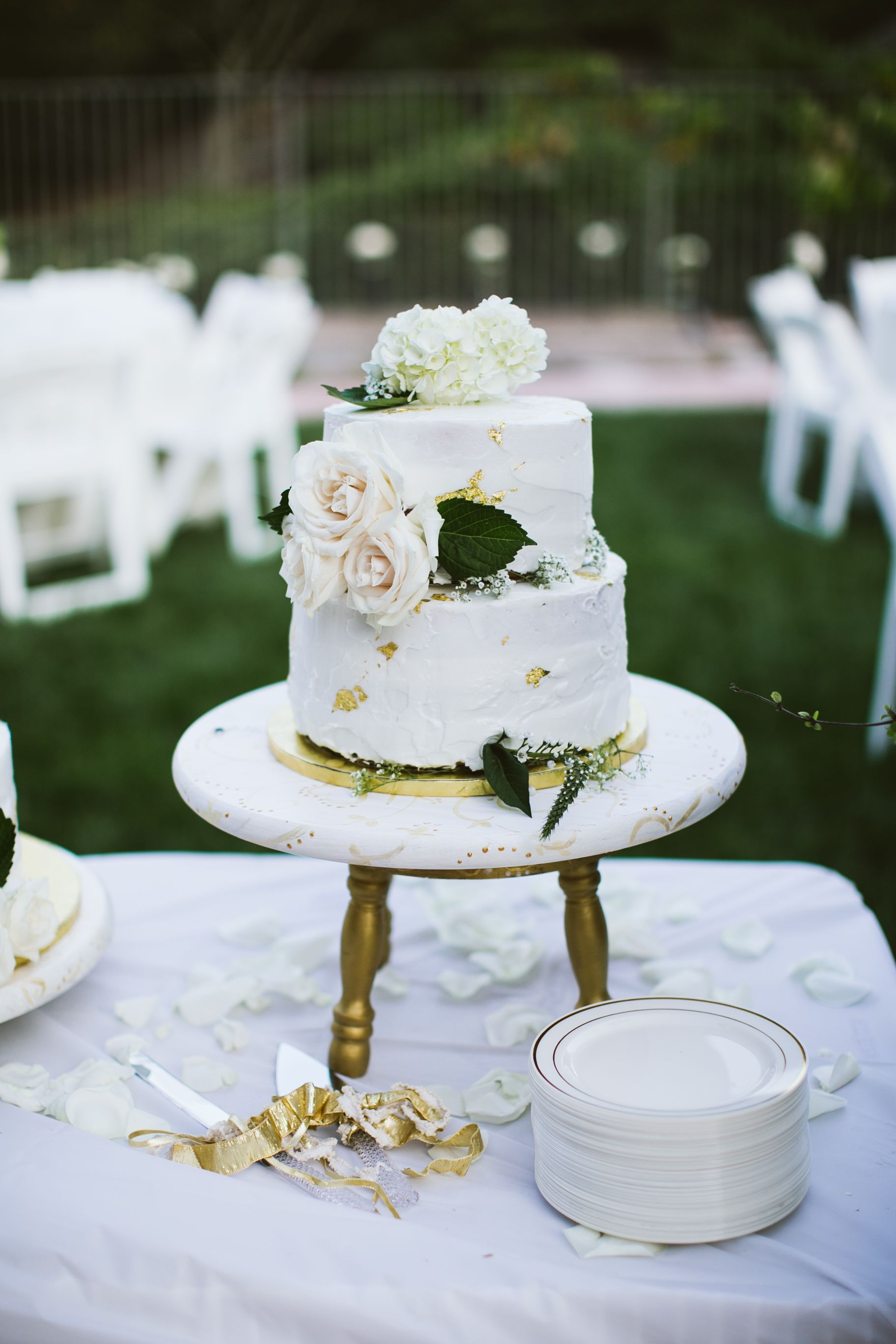 Wedding Cake Costs Servings Delivery Info 2020 Prices Avg Wedding Cake Cost Wedding Cake Prices Wedding Cakes
