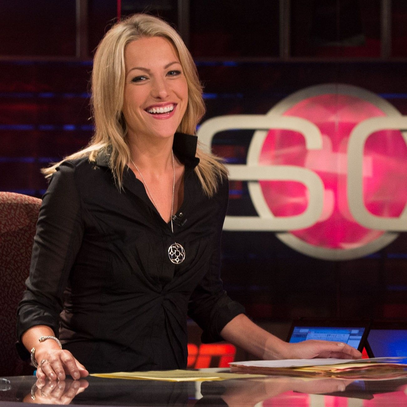 Lindsay Ann Czarniak (born November 7, 1977) is a sports