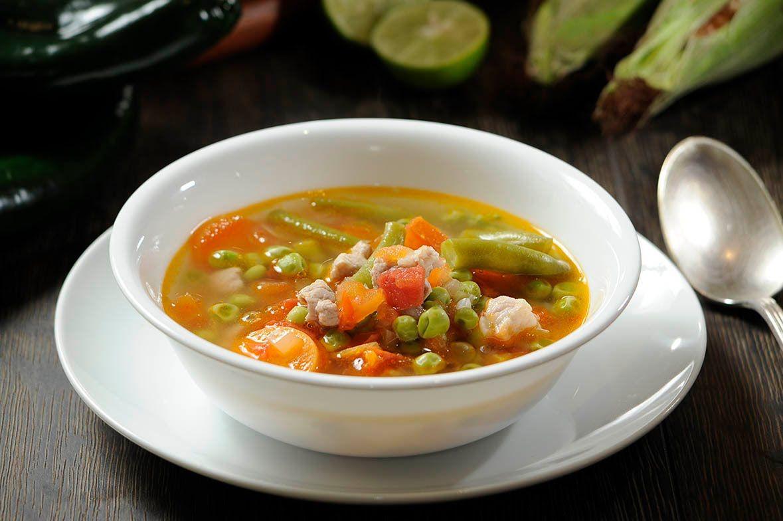 Sopa de verduras con carne de puerco - Receta fácil