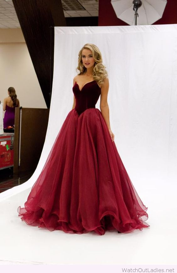 Long red dress with velvet on top | watchoutladies.net | Pinterest ...