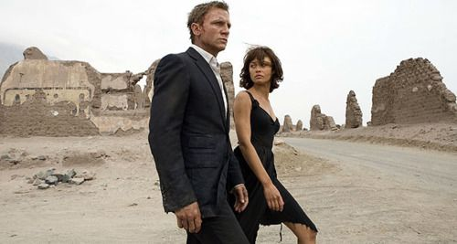 50 degrees in the Desert, and Mr Bond buttons up his blazer..